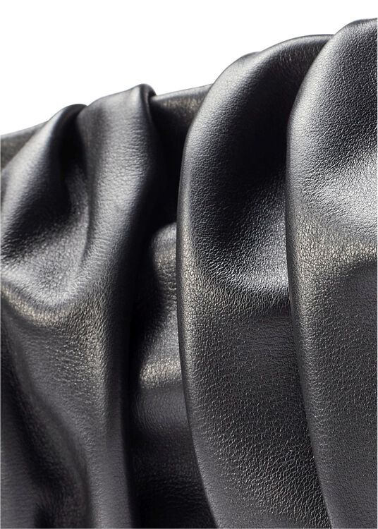 LARGE DIMPLE LEATHER PATENT BLACK OS image number 2