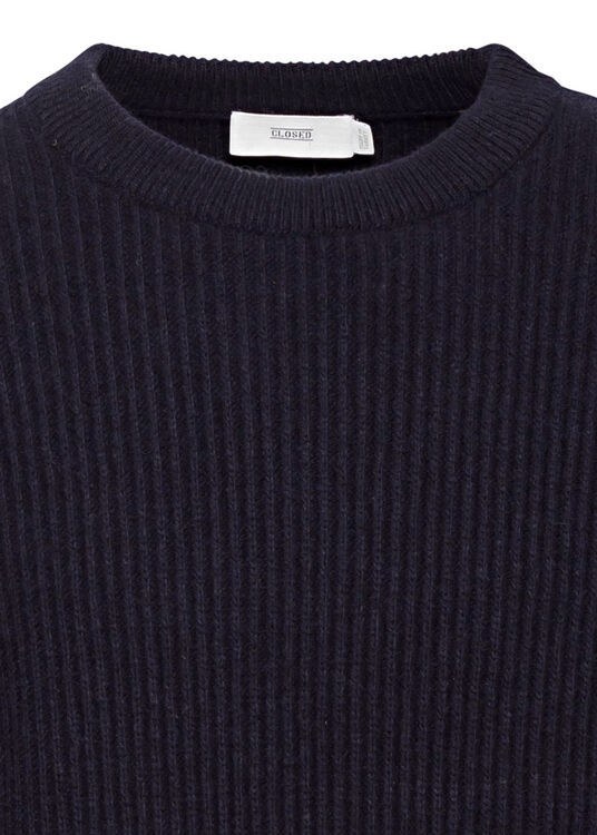 knitted jumper image number 2