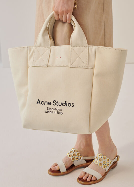 Alissa Canvas Tote image number 4