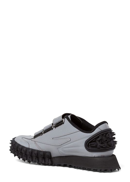 LOW-TOP SNEAKER WITH CHUNKY SOLE image number 2