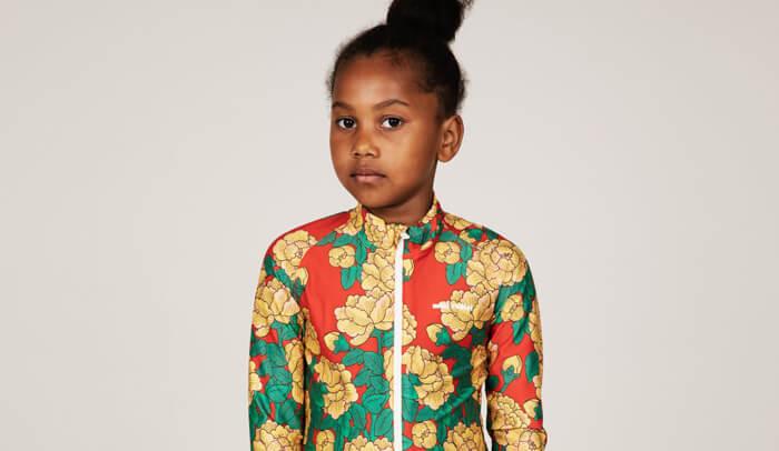 Trendige Mode für Kinder aus Frühjahr / Sommer Designer-Kollektionen