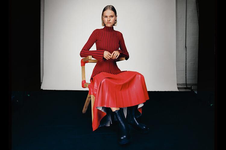 The Knit Edit. Pullover und Cardigans sind die neuen Lieblingsbegleiter für den Herbst.