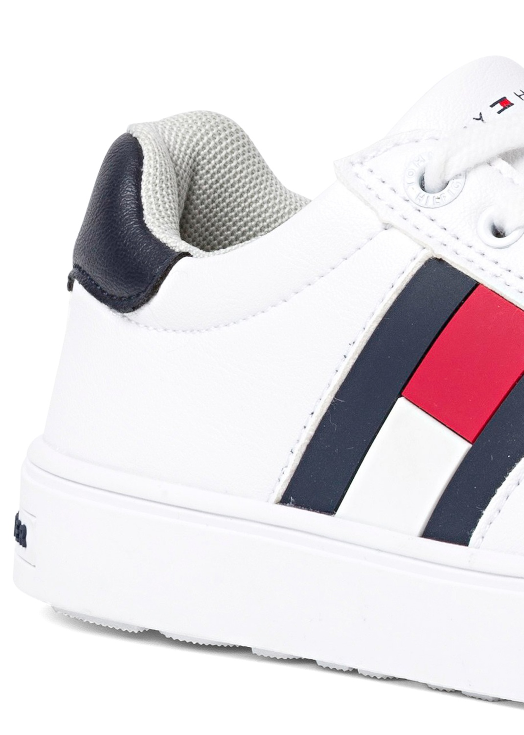 LOW CUT LACE-UP SNEAKER image number 3