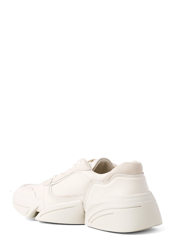 Low top sneaker image number 2
