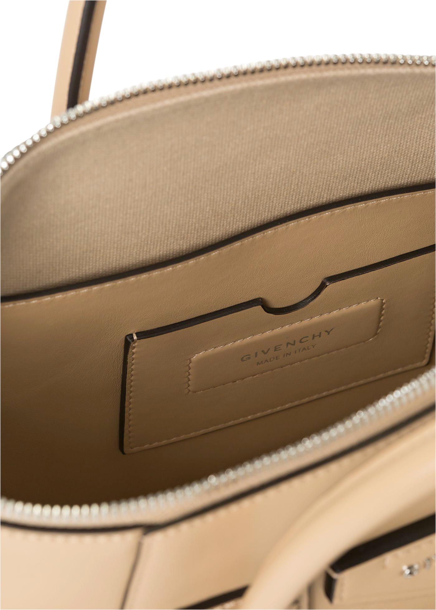 ANTIGONA SOFT - SMALL BAG image number 3
